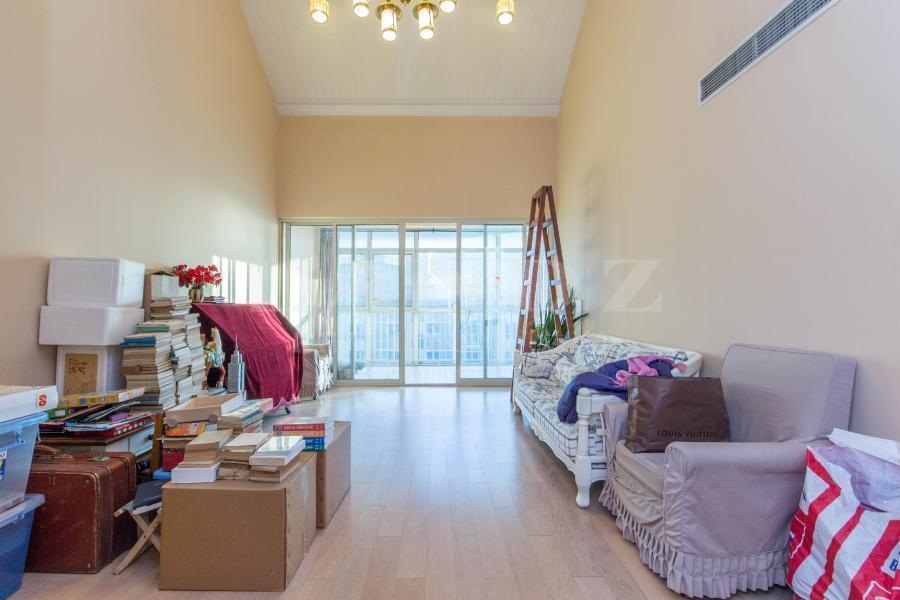 金融街新出客厅挑高5.7米三居,全明户型,双卧客厅朝南!