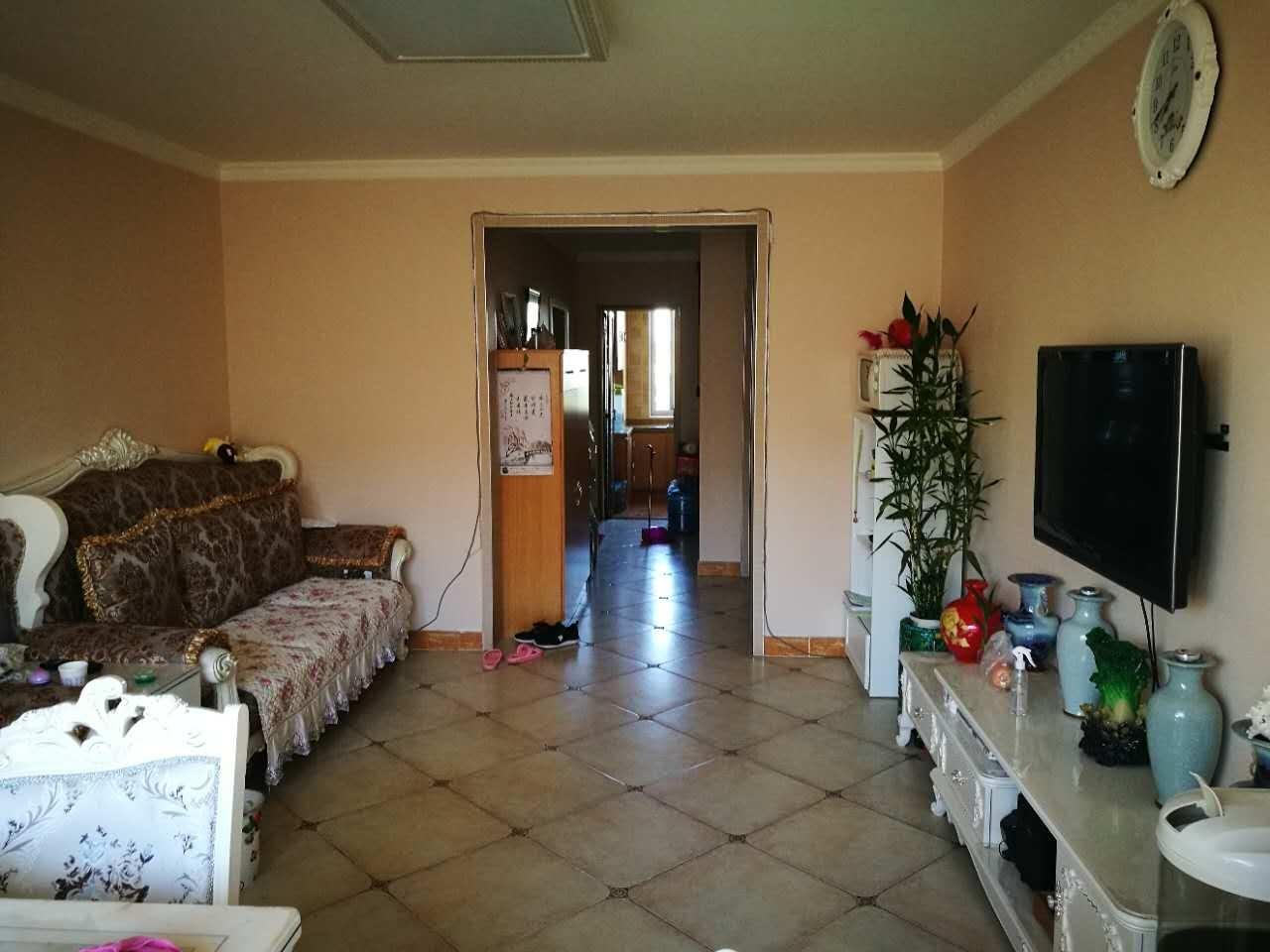 德顺园  南北两居室  前后无遮挡   带电梯  价格低
