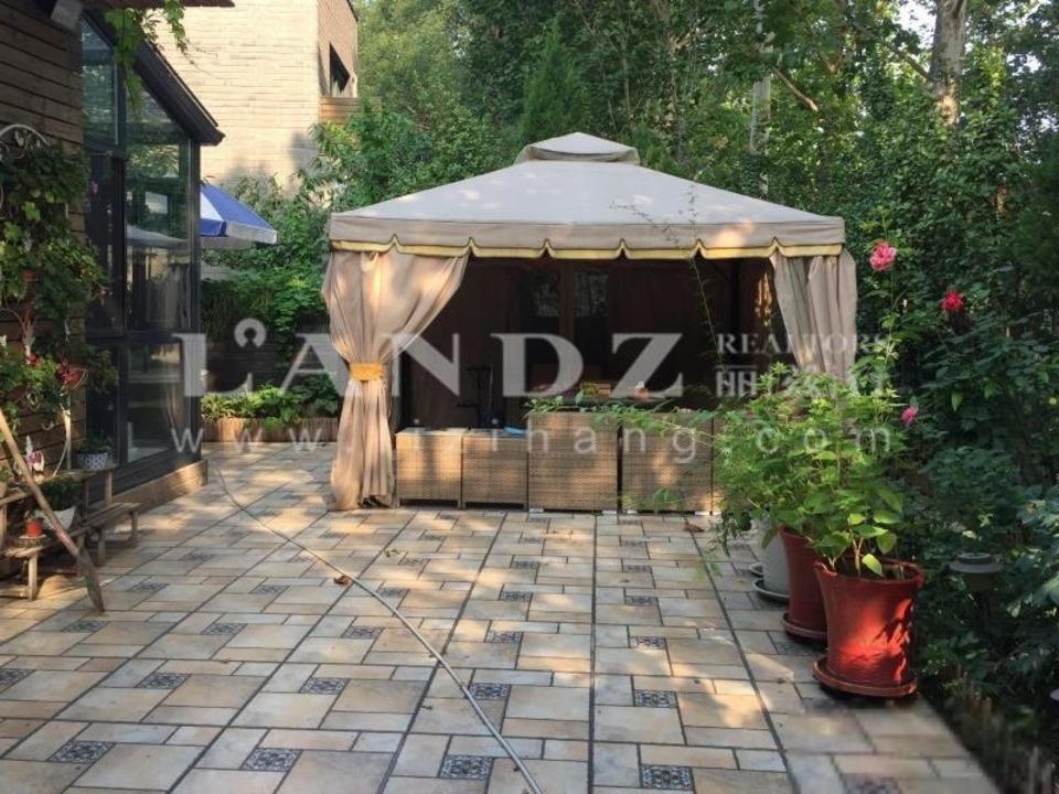 中式精装修+400平花园+精装庭院 小区内价格蕞低 业主自住可看房