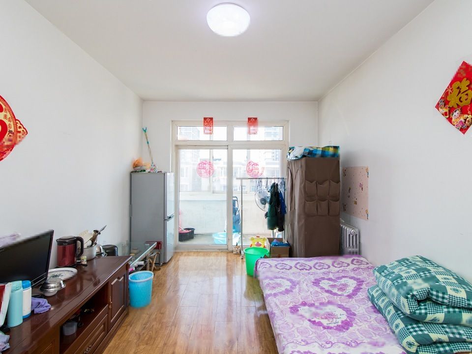 拥金1.2,富卓苑小区,近地铁4号线,大客厅大阳台大卧室,采光好