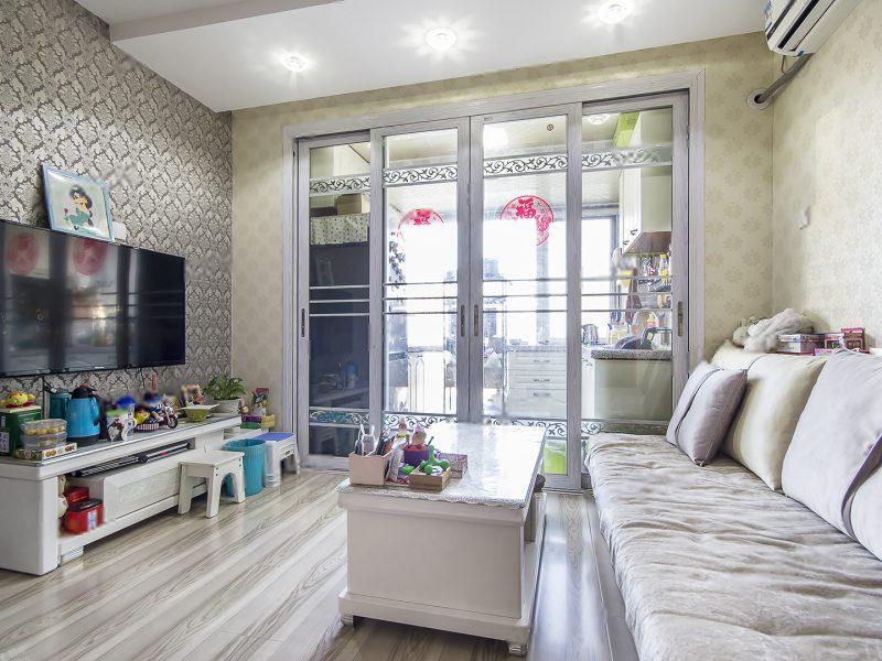 《拥金1.点》东晶国际东向复式一居室 业主
