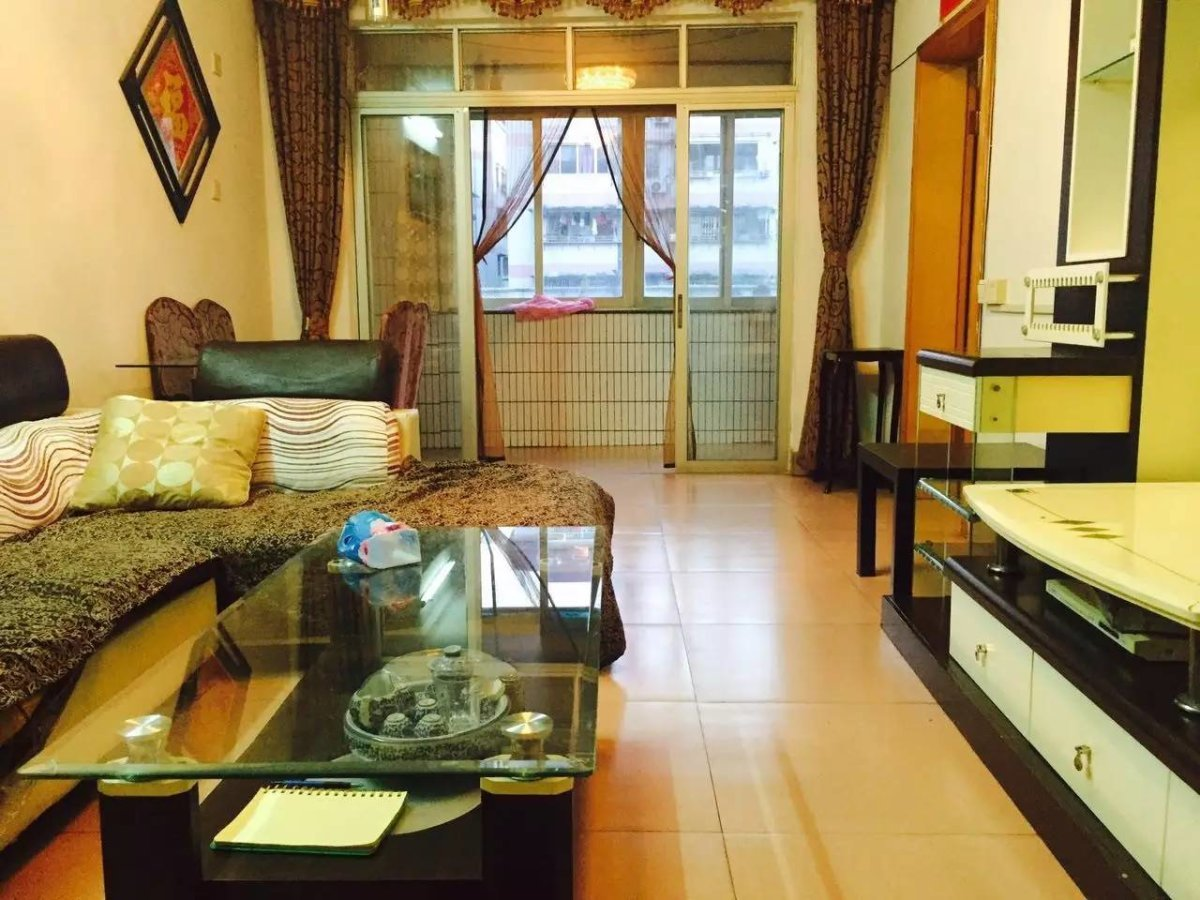 金满家园 实用两房 格局方正 刚装修不久保养新  看房方便