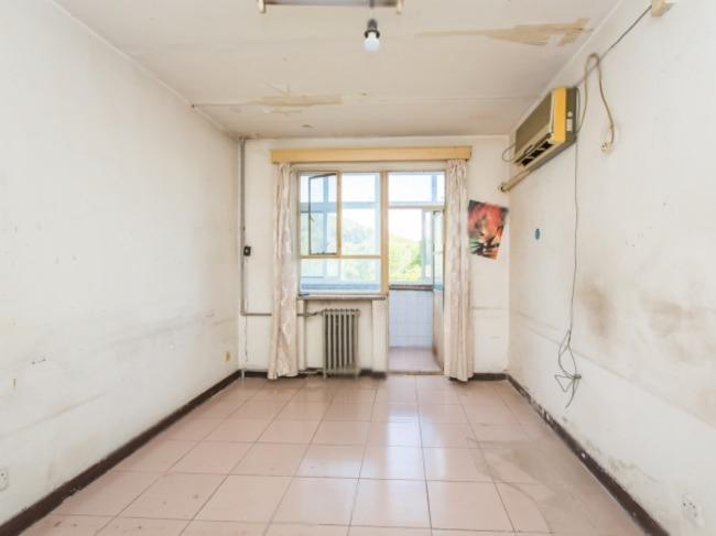 龙山华府边自来水宿舍两居室家庭名下没有房子