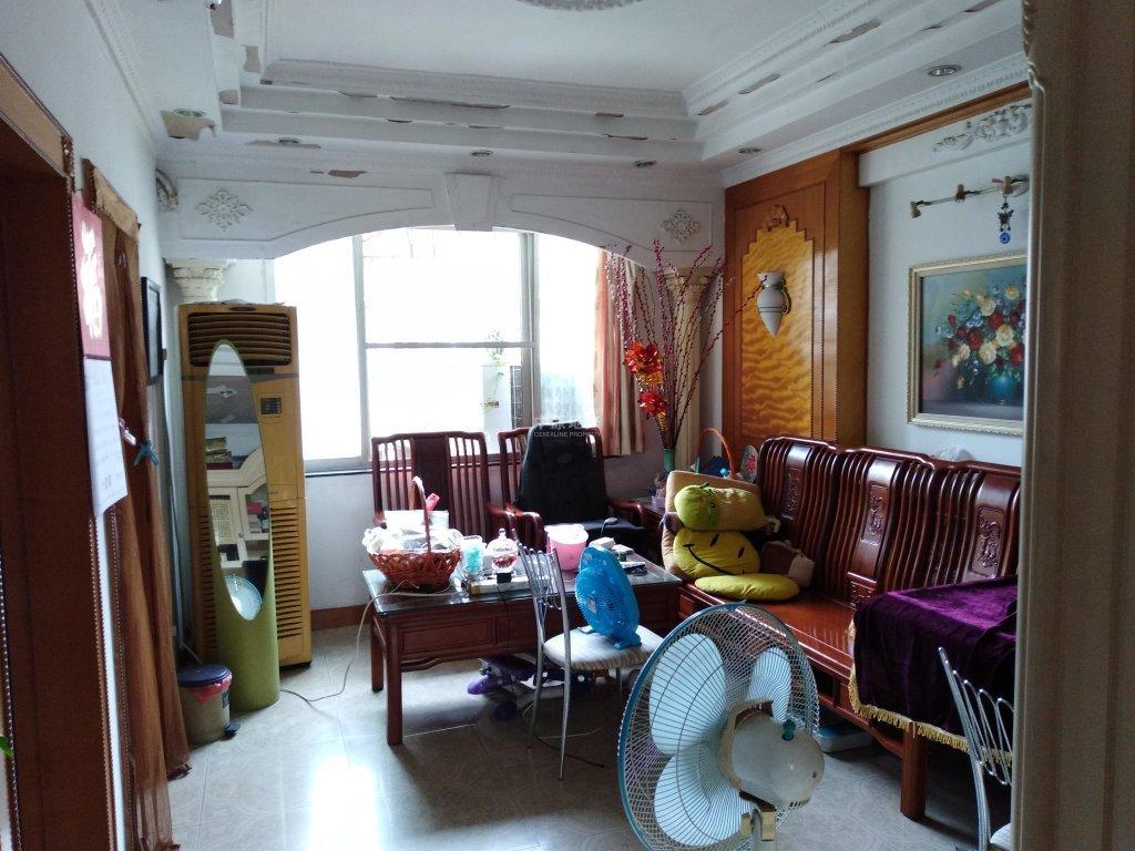 房子保养好 设计感强 精装两房一厅