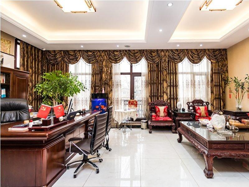 收费1.5 联排别墅 产权70年 边户 带装修 看房随时
