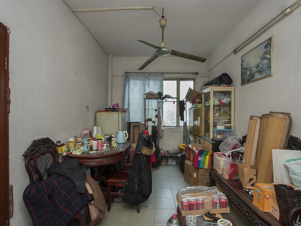 鹭江地铁口 新港西214号大院  二房一厅 马仔外墙