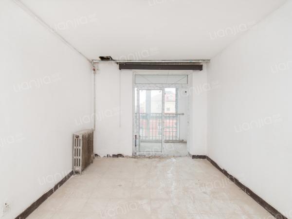 为你而选为你为家 南北三居室 挂东窗 有扩建面积 主卧朝南 已改飘窗