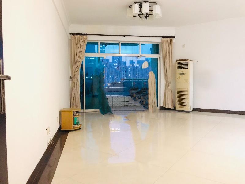 珠江新城东 君怡大厦143.72平850万 南向望整个珠江