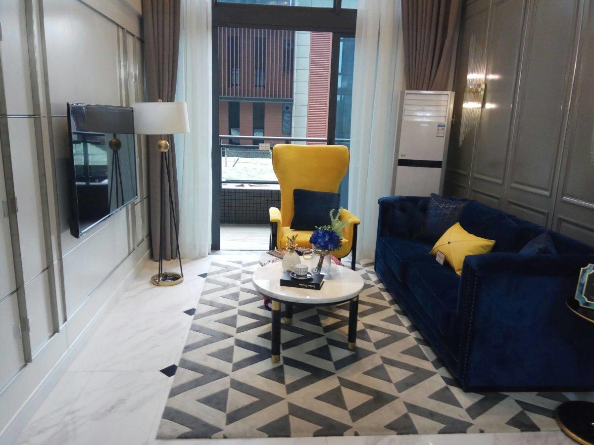 番禺金龙城  5米层高复式公寓  精装修   可明火