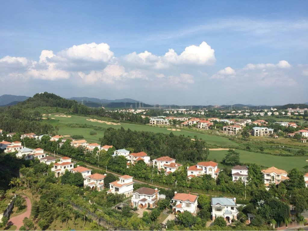 中国美林湖 阔景三房 望高尔夫 看花园 近湖边邻轻轨