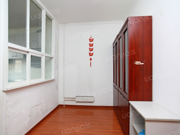为你而选为你为家 正规两居 中间楼层  诚心出售
