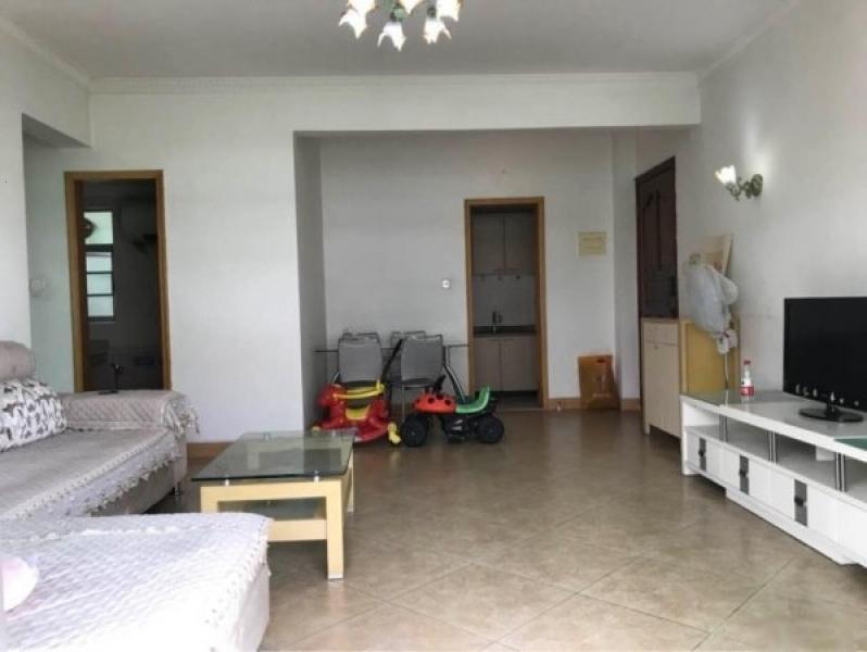 绿茵居78平2房,120万精装修装修,含精致家具 ,看房方便
