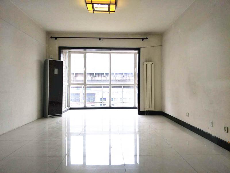 金茂府金长安旁金海国际3居室,户型方便,低价,看房方便