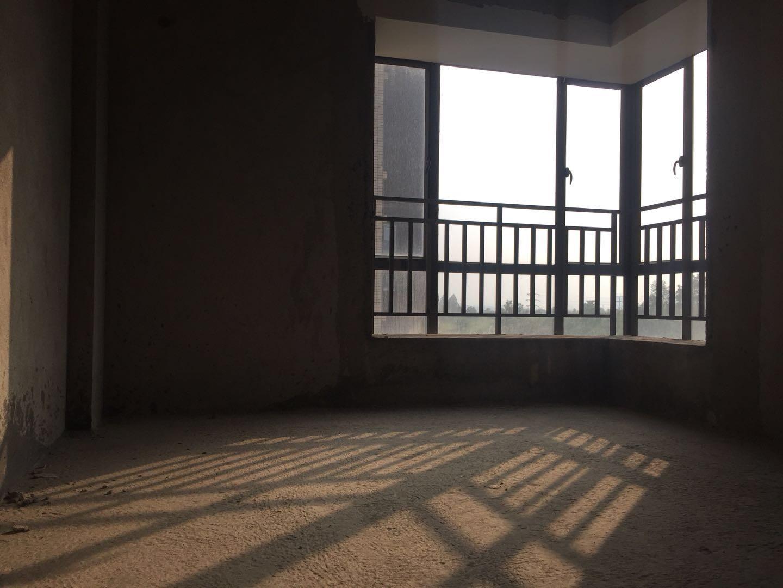 东凌广场毛坯房,南向三房 采光佳 格局方正 绝对经典