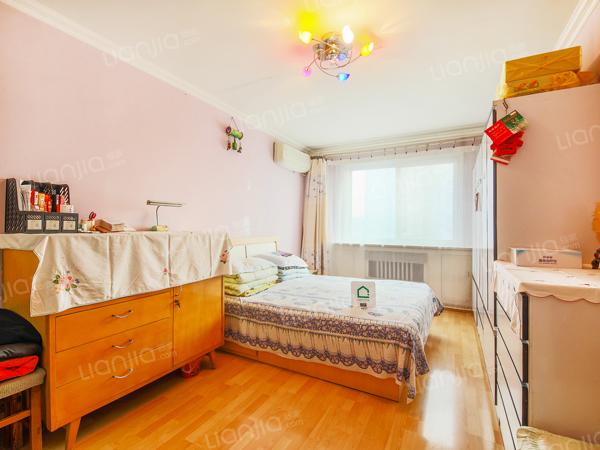 为你而选为你为家 依翠园 中间楼层 三居室 步行 600米
