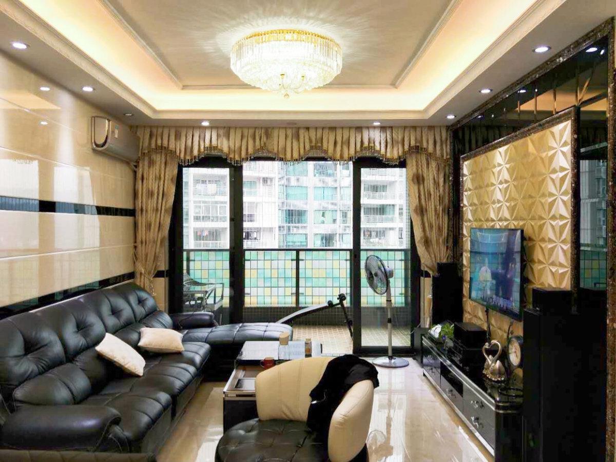 云裳丽影 全新装修的房子 全新的高层户型 可以直接入住