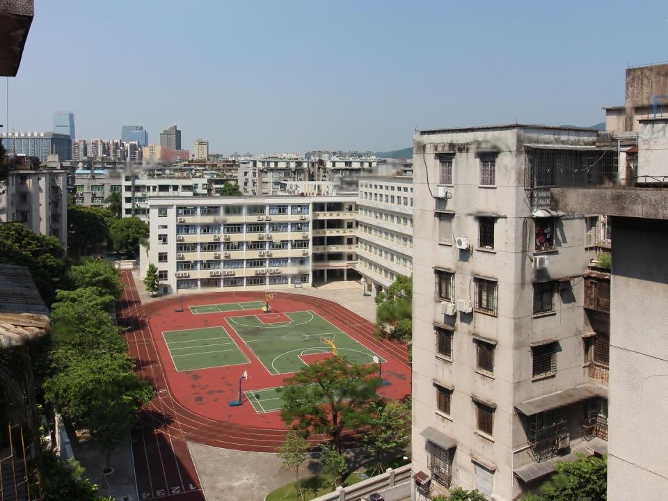 景泰新村 高层两房 采光通风 天台花园 价格