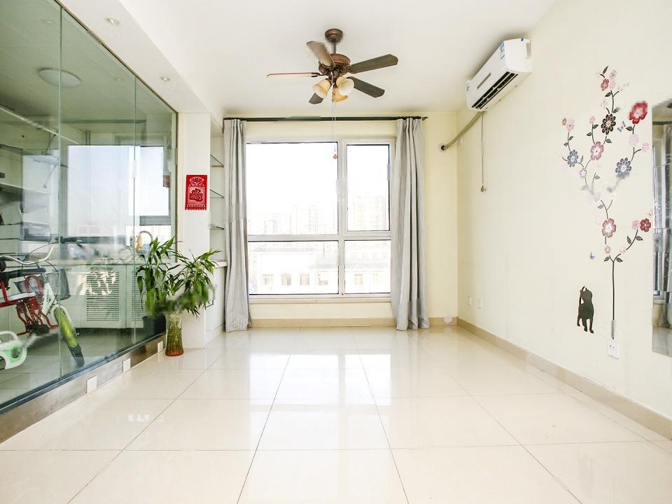 金汉五区,全明户型,首付85万,2010年新房,小区中间位置