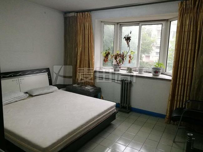 新康家园南北两居室,矮板楼,低楼层,采光不遮挡。满五年