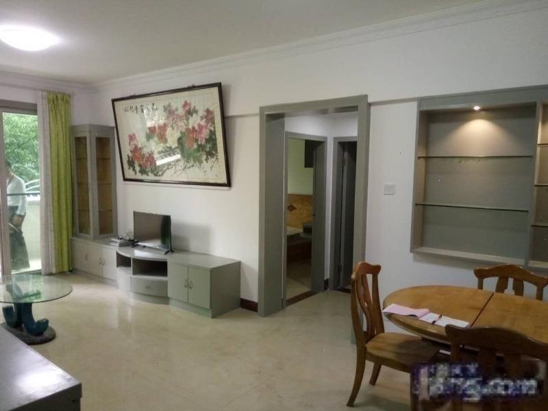 云桂苑,实用两房,厅厨阳台,户型正气,位置好,环境舒适