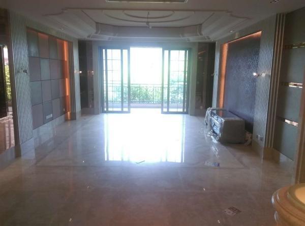星河湾4房2厅 950万 毗邻地铁 大型成熟小区