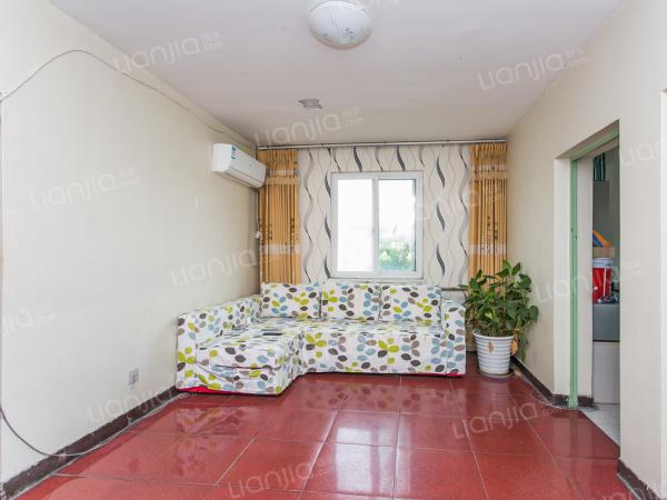 为你而选为你为家 中间楼层小三居 诚心出售 旧宫主街!