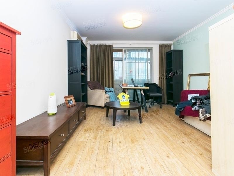 安贞里中间楼层  无遮挡 精装修 没有税大客厅 安华西里