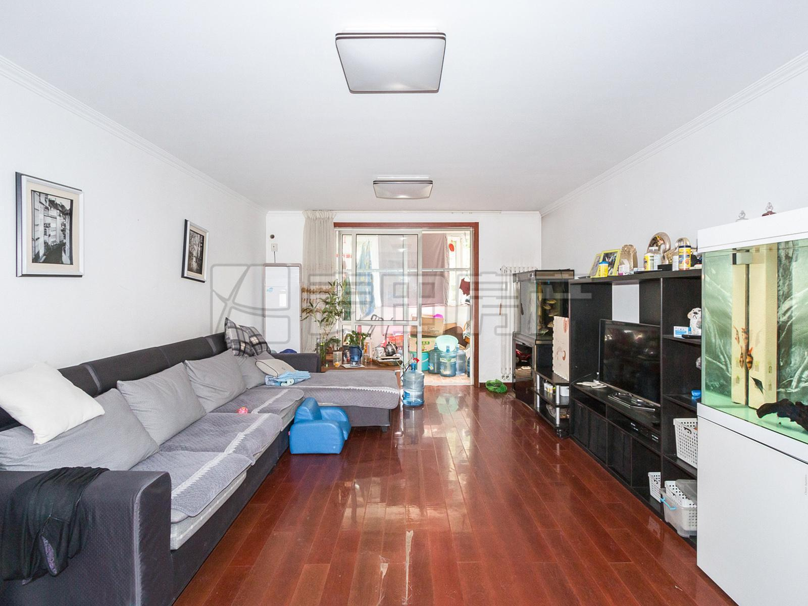 2层的平层四居室+装修好可直接入住+靠近积水潭地铁8号线