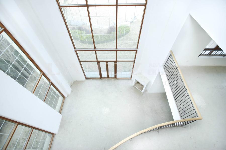 聚焦房+二期临湖景观独栋+10米挑空全景落地窗
