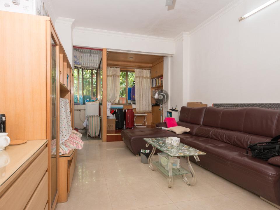 鸿图苑底层1房一厅 可以改两房 大型生活小区 交通便利