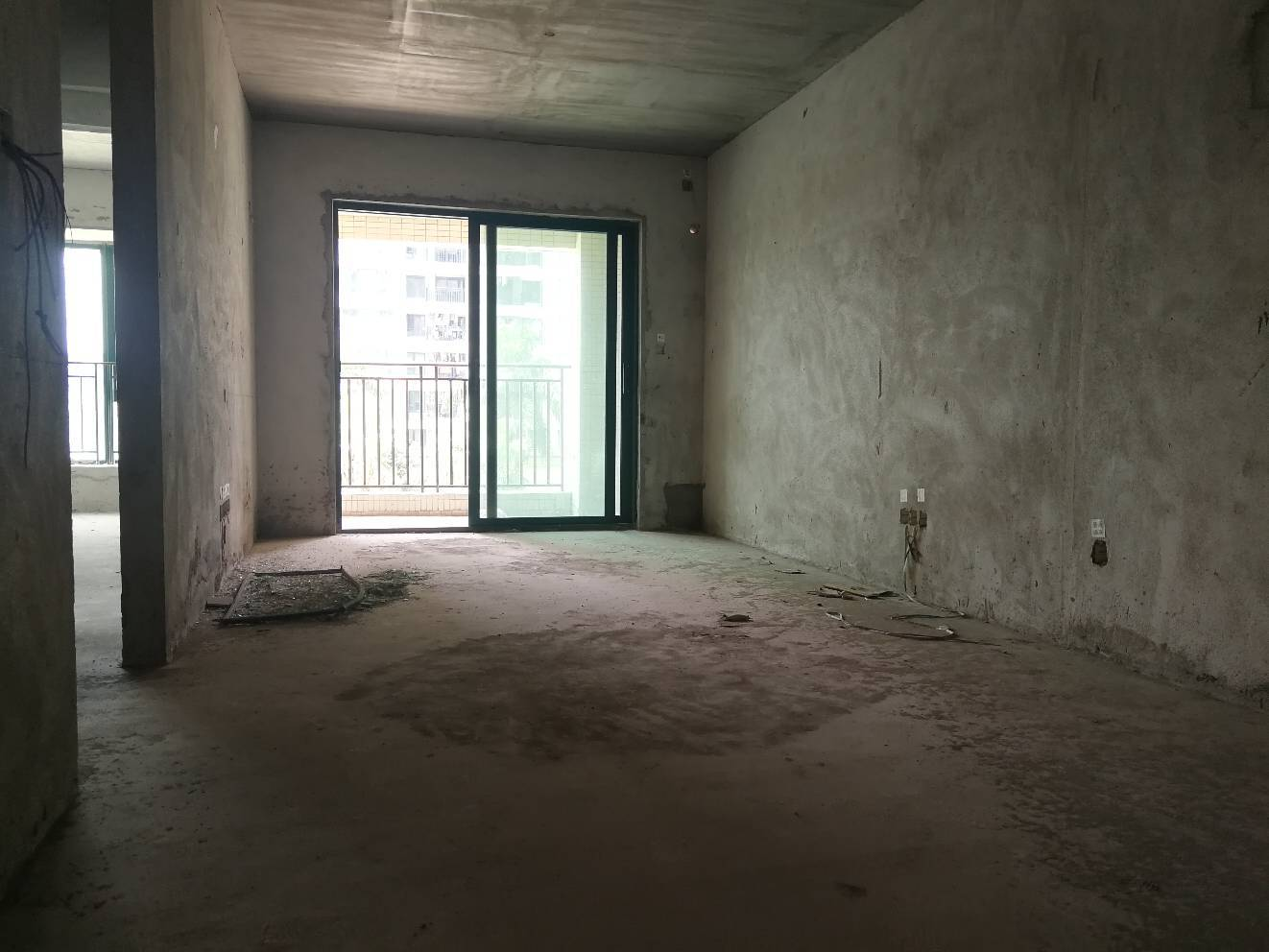 雅居乐锦城大两房,南向安静,采光充足,雅居乐12年学位未占用