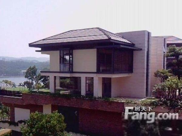 颐和高尔夫庄园 风景区里的独栋别墅 同型一手已经4000万!