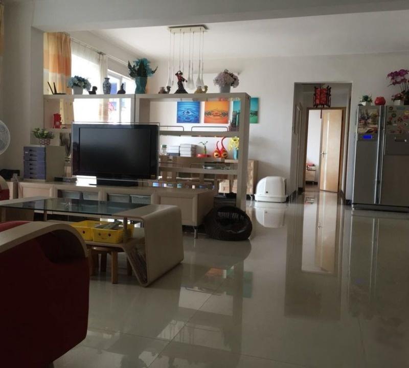 精装4房3卫 客厅 中层位置 可以分开卖 业主急卖