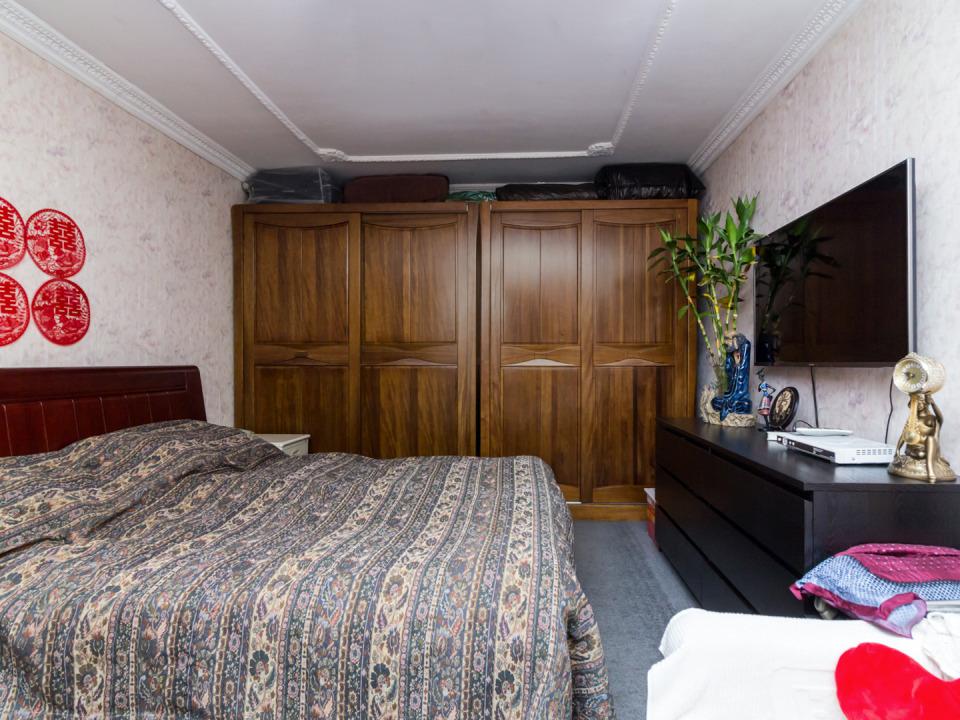 Century21四平园 正规一居室 居住环境安静