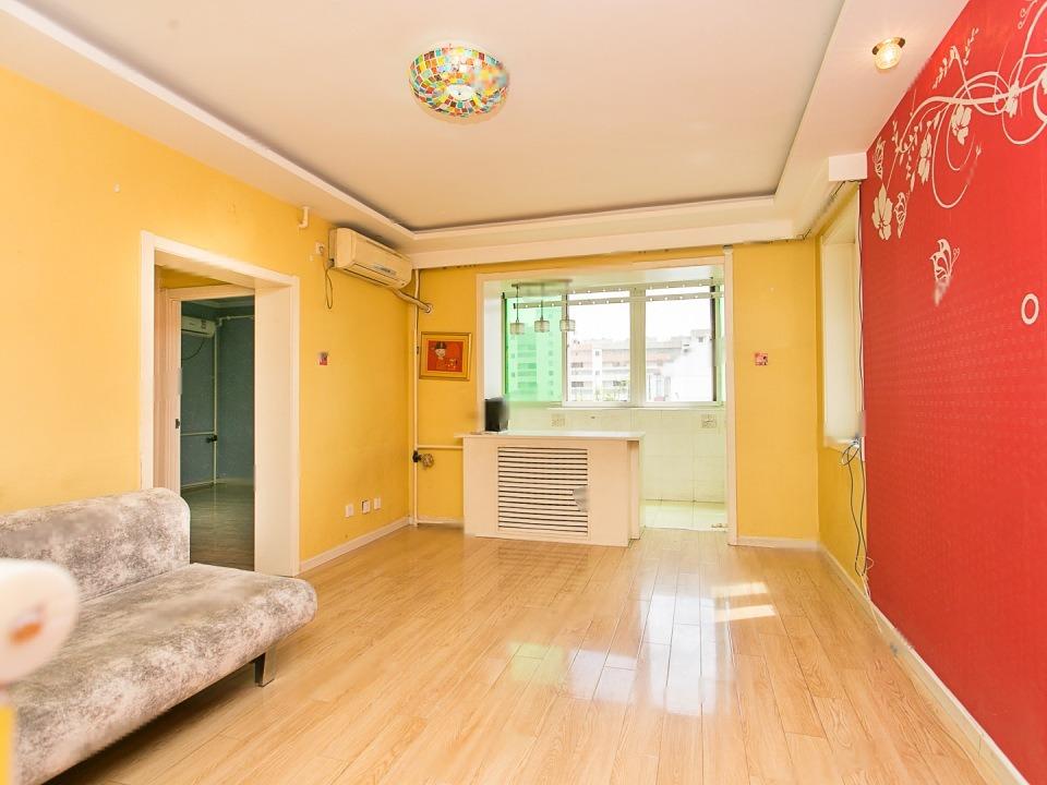 拥金1.2 角门西 南华小区 户型方正 厨房带阳台 紧邻地铁 有钥匙