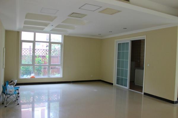 丽嘉:美式独栋+5居室+300平花园+不临路+有钥匙随时看房