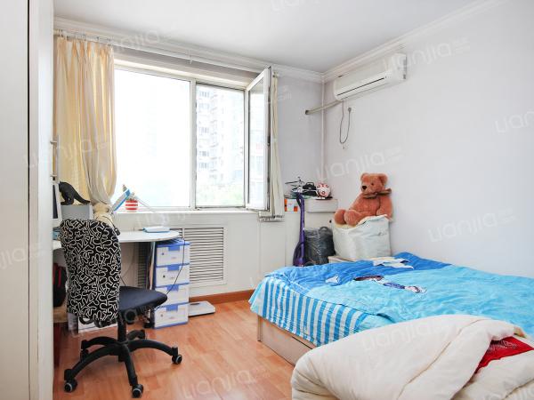 为你而选 东一区板楼南北通透低楼层优质两居室