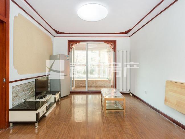 保利金泉98平米两居室  客厅带落地大阳台 有钥匙 看房随时
