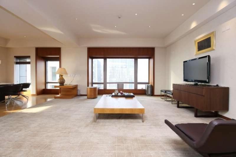 东三环 银泰 高层景观两居 保养好 诚意 同看梵悦108