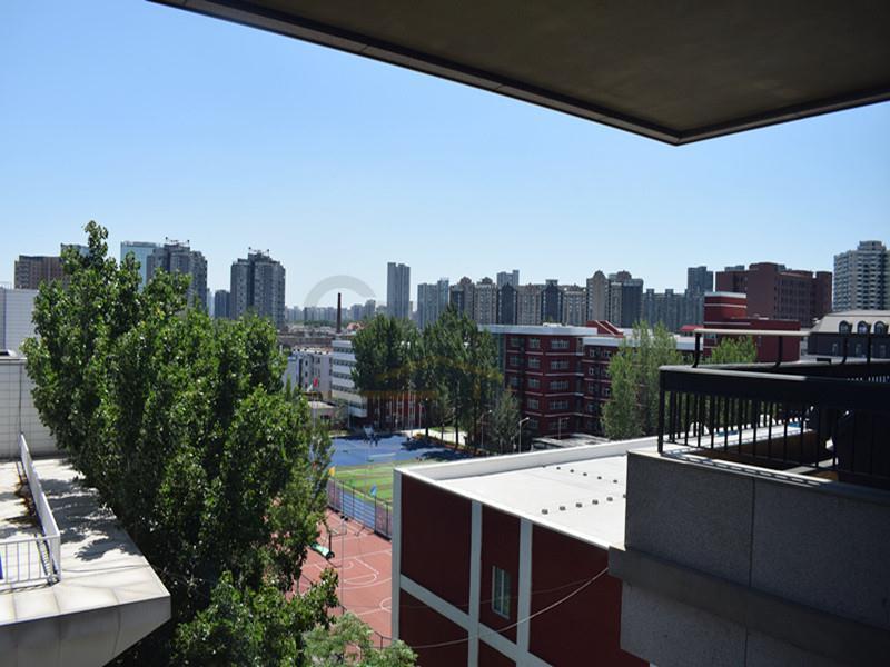 和知东方之子 超大客厅阳光房 恒温水系阳台价可谈