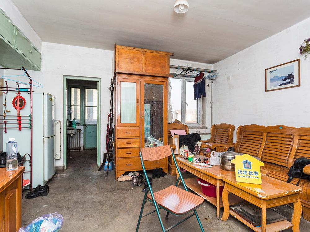 南北通透双卧朝南户型 满五公房 价位可商量