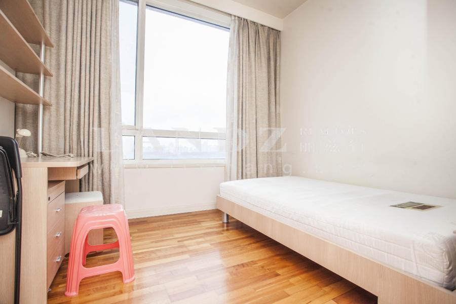 客厅270度采光窗+售价低于同户型+诚意在售三居室+随时看房