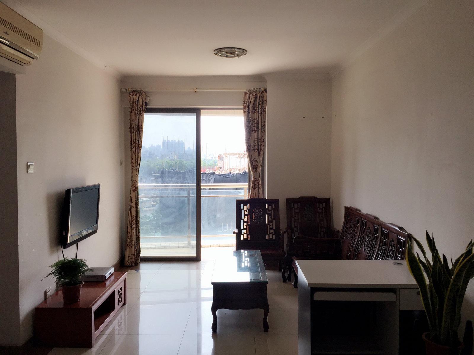 恒荔湾畔东南向两房早上阳光可以晒进客厅冬天不冷的