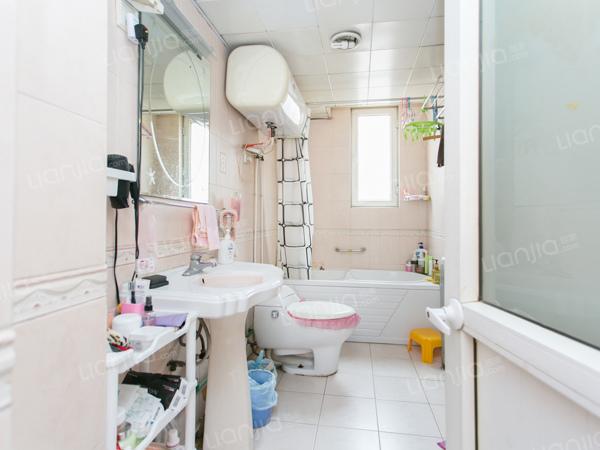 为你而选为你为家 西一区小三居,业主自住,小区配套设施齐全,看房方便