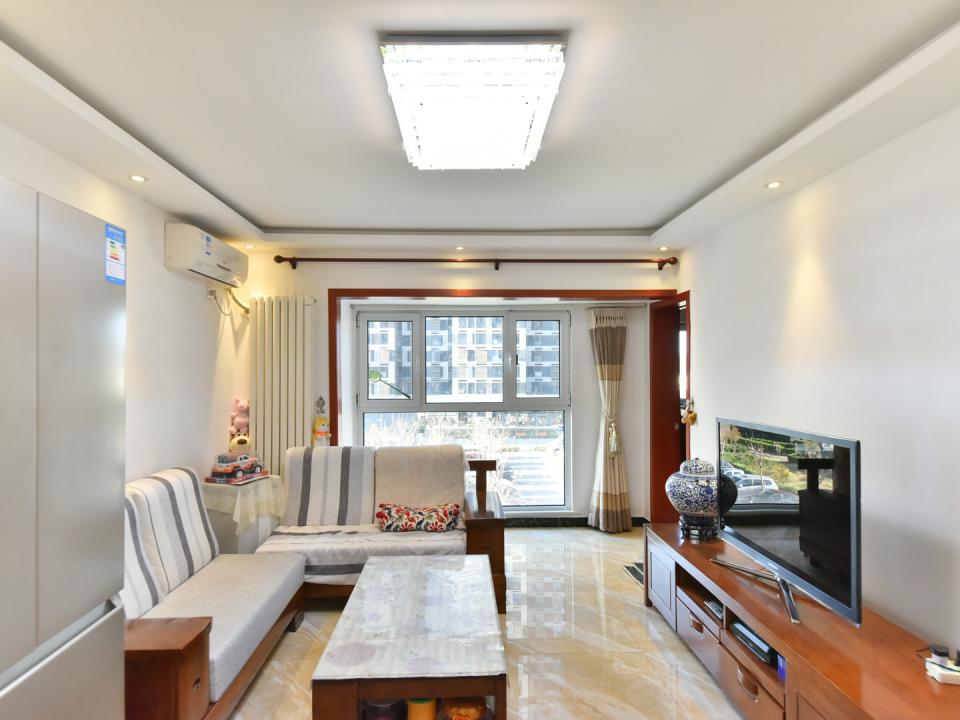 :广安康馨家园 精装、通透大二居环境优美 空气新鲜 安静惬意