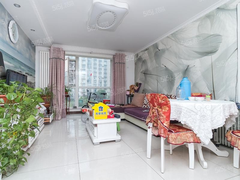 新上万年花城一期 精装修二室一厅一卫 南北通透 不临街