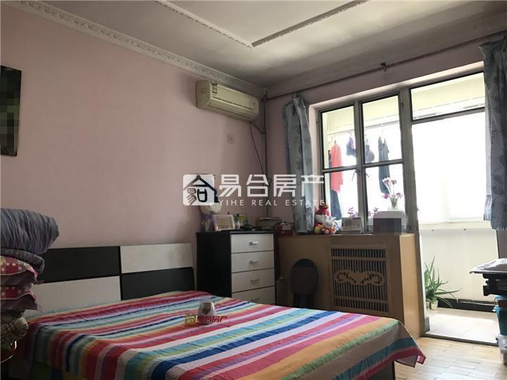 昌平城区  宽街小区 正规一室一厅220万没税出售,3层