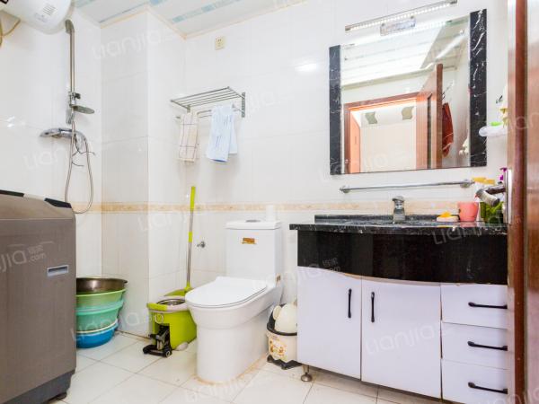 为你而选为你为家 三居室两个卫生间,诚心出售,看房方便