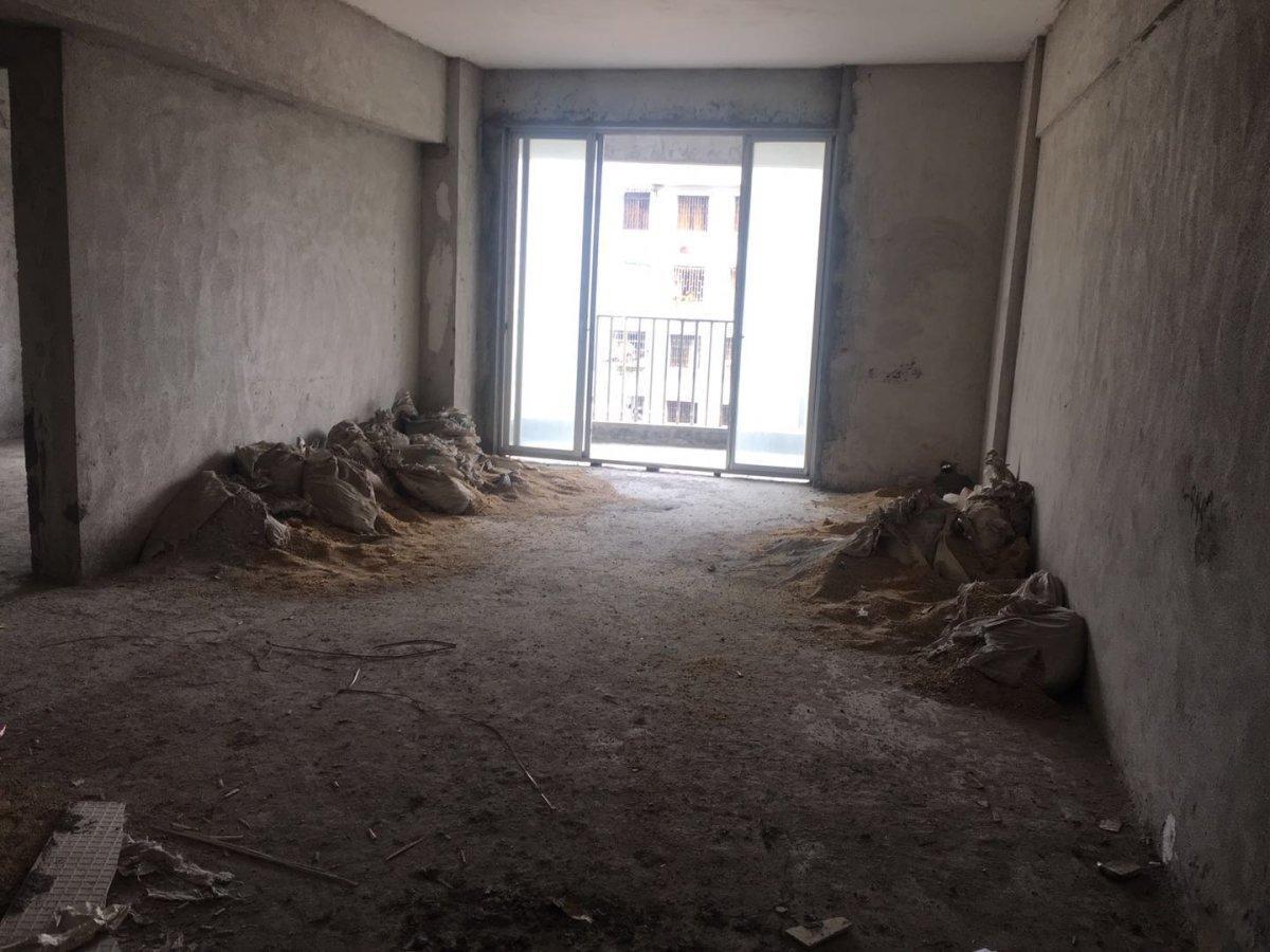 城市印象 小区电梯房 原装4房 河堤在家门口 证过2 真实图片