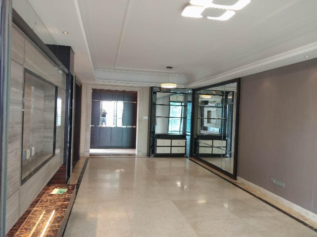 雅居乐剑桥郡佰利山 精装修4室 , 位置好,期待您的选购
